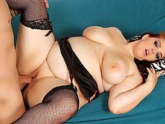 Plumper Slut Buxom Bella Gives a Perfect Tittyfuck Before Riding Cock