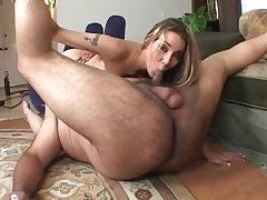 Delilah Strong likes to fuck perfectly possible poses with her powered friend