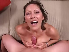 MomPOV - Abby (Jane McWilliams) - E294 - 52 Year old Mom with all Natural h