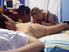 Latina grey mom is doing a lucky guy